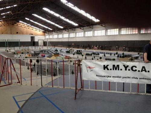 2016 hangar44 02